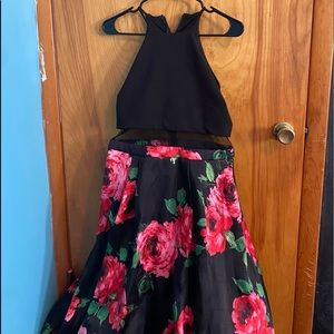 GORGEOUS 2pc FLORAL PROM DRESS